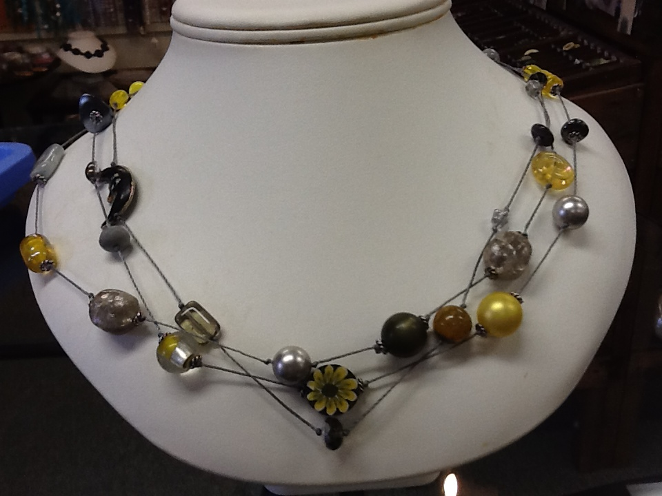 Floating Necklace - Stringing and Knotting
