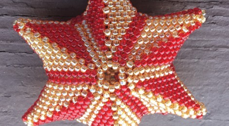 Shaping Your Beadwork: Exploring the Hyperbolic Plane